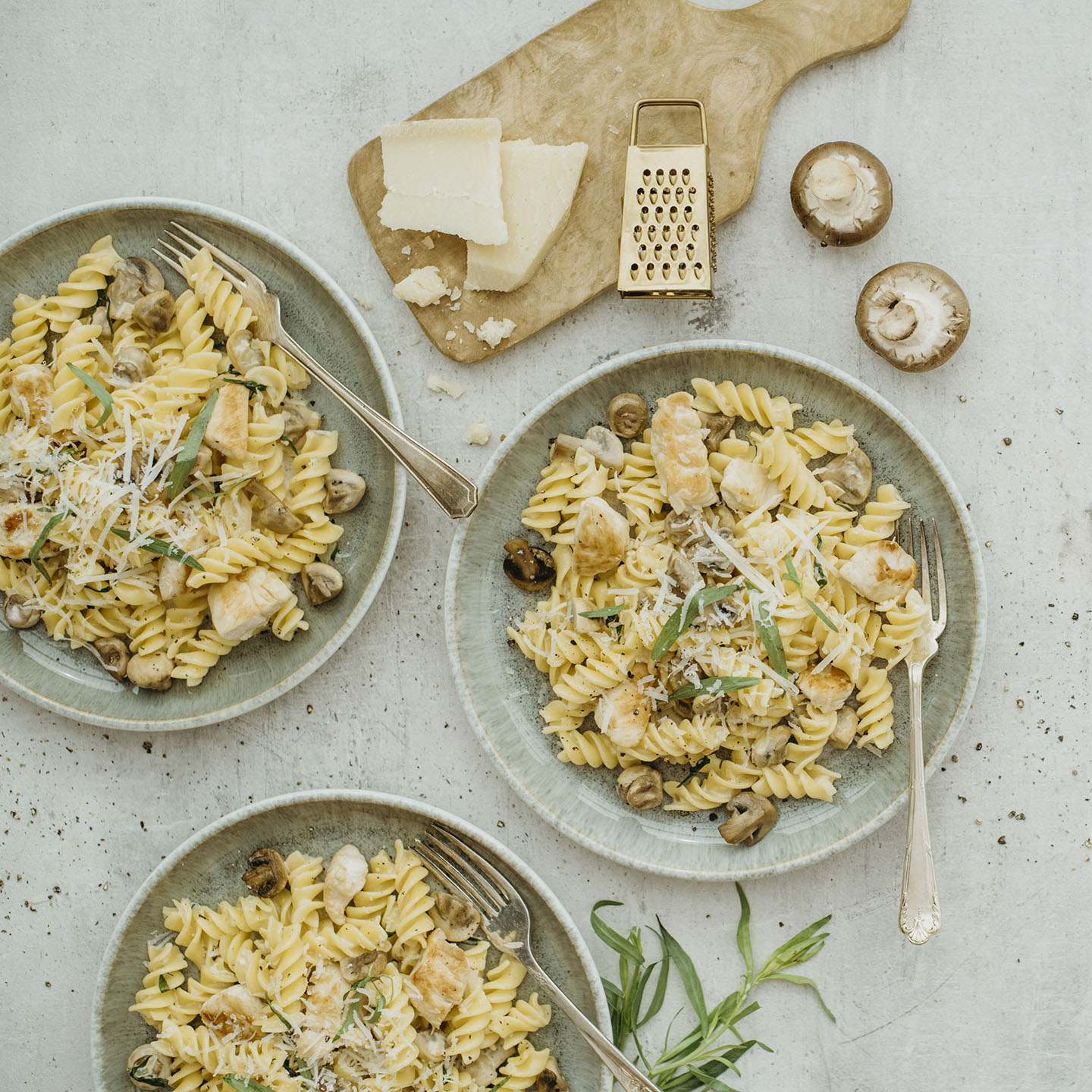 Le Moulin - Les recettes - Fusilli with chicken and mushrooms