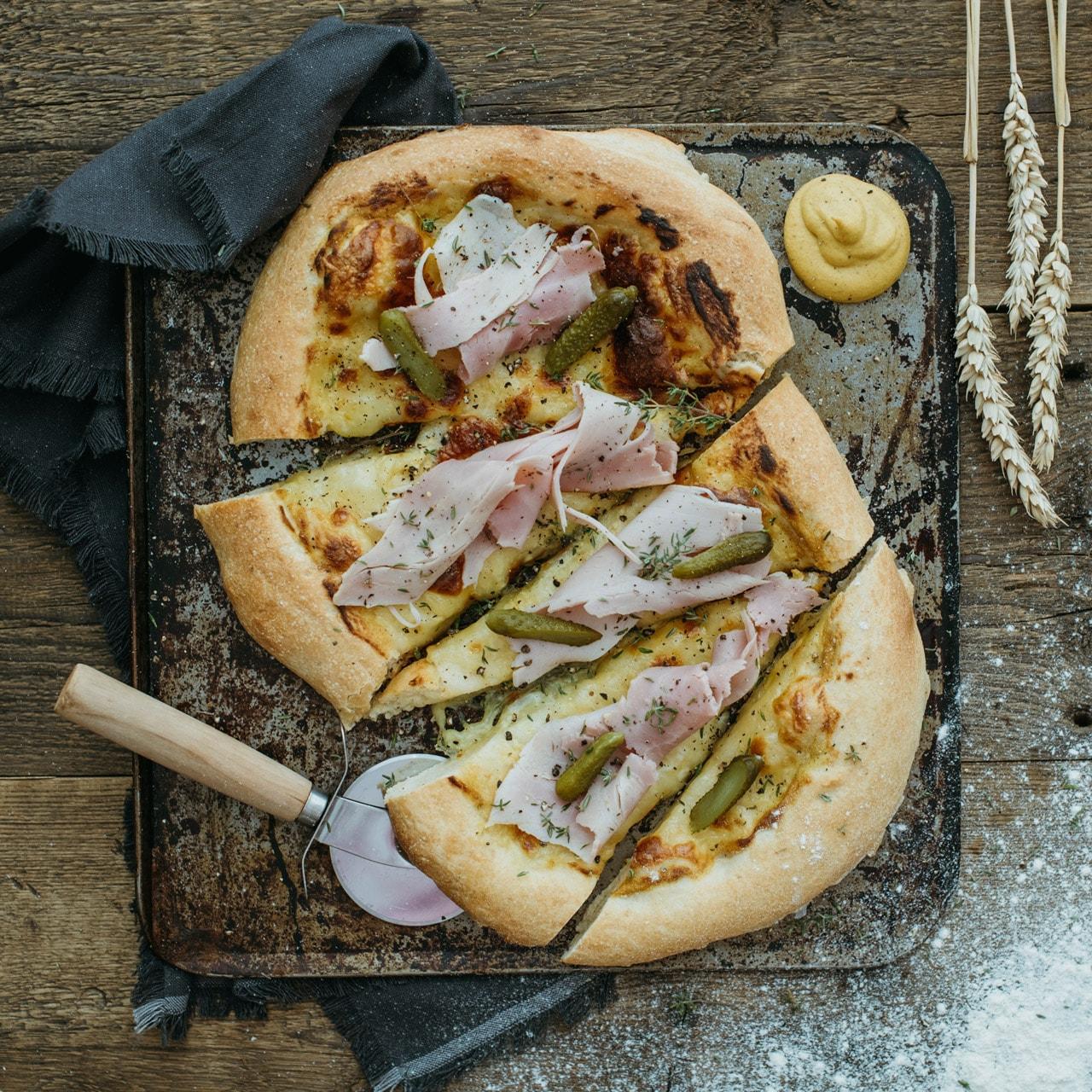 """Le Moulin - Les recettes - Pizza """"À la Hameschmier"""""""