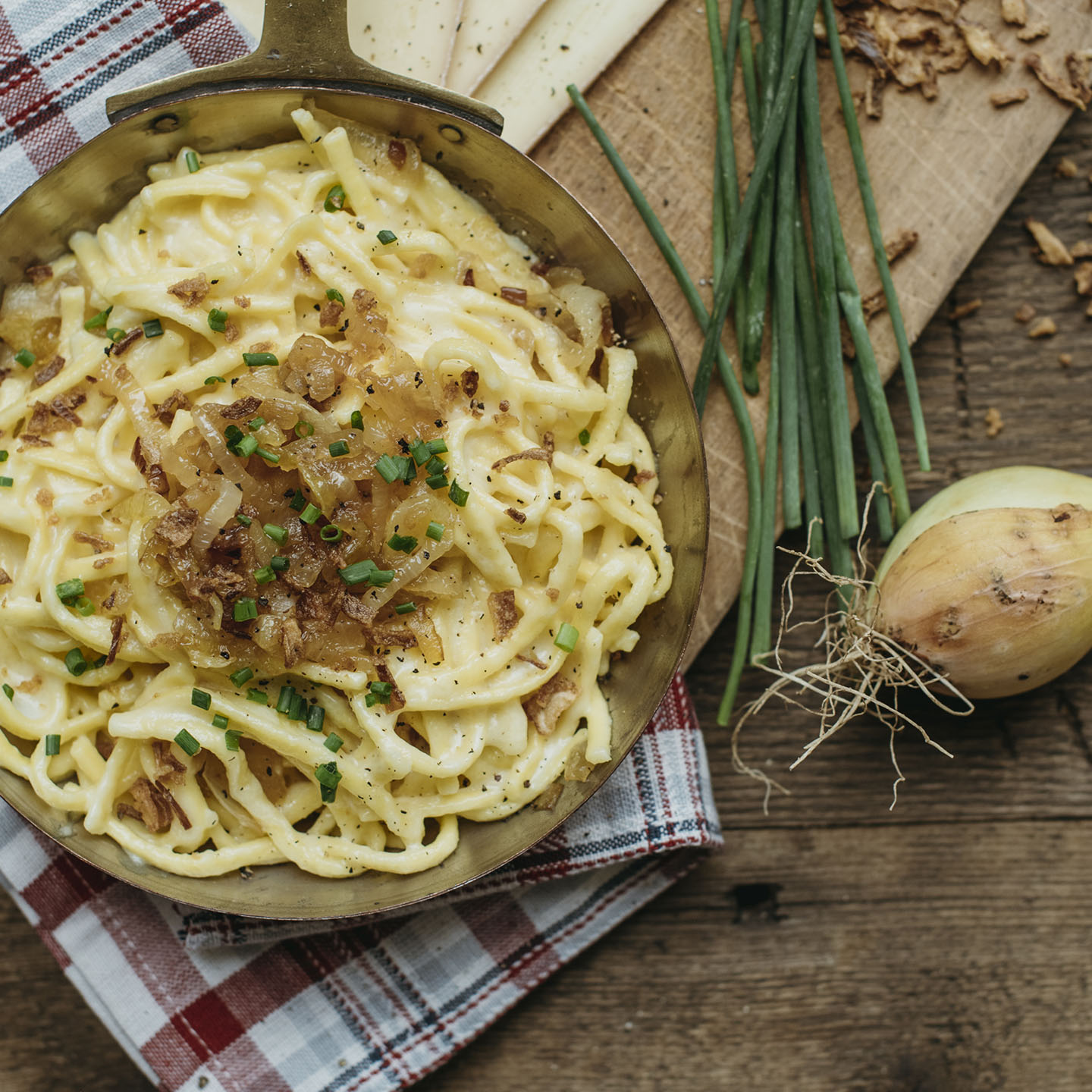 Le Moulin - Recettes - Spätzle with Raclette cheese sauce