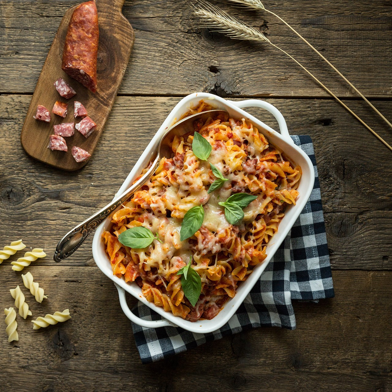 Le Moulin - Recettes - Fusilli Gratin with Mettwurst sausage